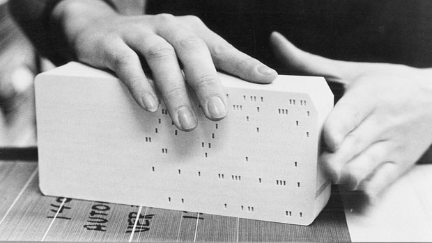 us__en_us__ibm100__punched_card__hand_cards__620x350